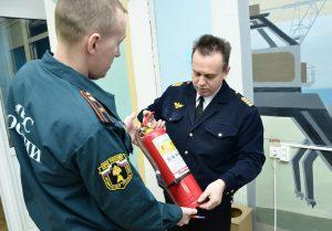 Проверка срока годности огнетушителя