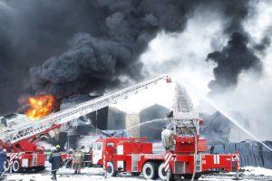 Возгорание резервуара с нефтепродуктами