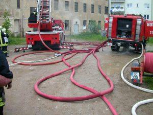 Нагнетание давления в пожарный рукав