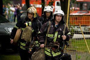 Пожарные на объекте возгорания