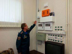 Профилактическая проверка сотрудниками МЧС  пожарной безопасности предприятия