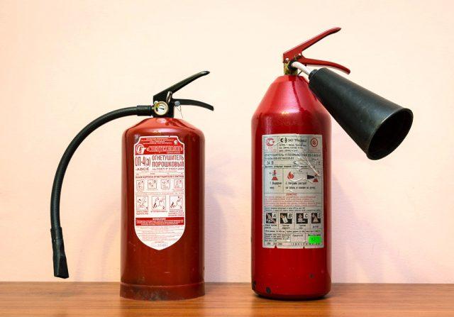 Порошковый и углекислотный огнетушители