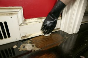 Отмыть квартиру после пожара