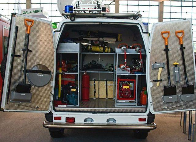 Аварийно-спасательный пожарный автомобиль